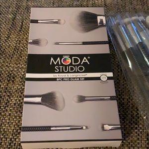 Moda Makeup - Moda Studio 8 Piece Brush Set NWT